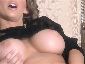 sizzling Jenna Presley playing with her succulent pinkish raw twat until she cums