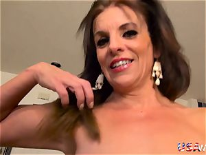 USAwives Penny Priet extraordinaire Solo play porn vid