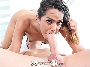 Latina hottie exercises her butt and jaws spreading