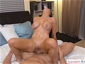 chesty Romi Rain drives shaft into her sexy puss