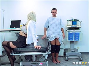 Keiran Lee inserts his knob into super-fucking-hot blonde