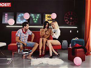 LETSDOEIT - Susy Gala Has harsh 3way hookup With couple