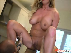 Meat pillar slurping Aletta Ocean and Lexi Lowe get packed in the minges