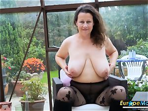 EuropeMaturE red-hot big-chested Solo chick playing Alone