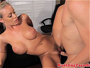 Nicole Aniston seducing scotts schlong
