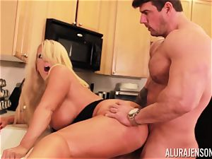 Alura Jenson gets banged by humungous muscle boy Zeb Atlas