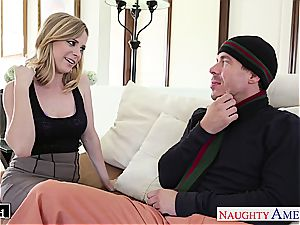 Ravishing Penny Pax slides his hard trunk inbetween her cootchie lips