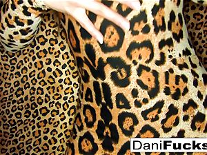Dani Daniels frigs her cock-squeezing humid vagina