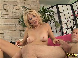 Mature chick Erica Lauren enjoying fat manmeat