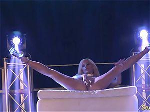 ultra-kinky flexi stepmom naked on stage