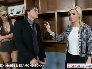 Blondes Phoenix Marie and Diamond Foxxx smash in 4 way