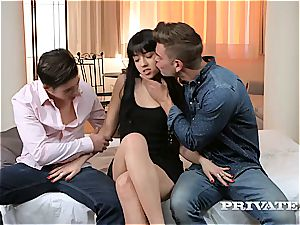 Taissia Shanti Gets sticky With an buttfuck creampie