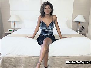 chesty black hotty Lola greased to blow manstick