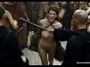 Lena Headey bares her nude assets in Game of Thrones