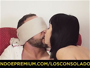 LOS CONSOLADORES - spectacular brunette in gang hump fest