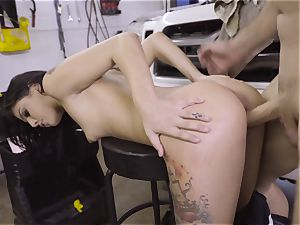 steamy honey mechanic Gina Valentina gets nailed in the garage