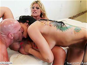 Charisma Cappelli, Romi Rain - hard hookup cougar threesome