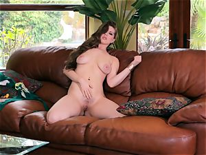 Jessi June peels off her bikini and milks