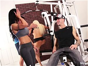 Working out at the gym turns into a 4some
