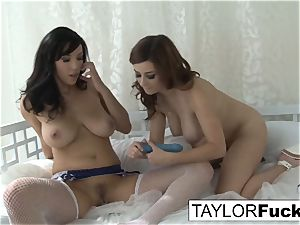 two naturally buxomy lesbos
