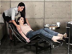 Lusty lezzie shrink attempts out slit stimulating therapy