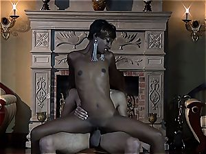 ebony female Taylor Starr plumbs only in luxury