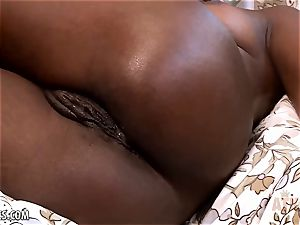 Ana Foxxx fucktoys her steaming gash with a faux-cock