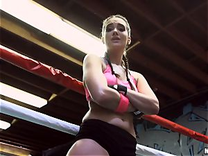 Sporty Gia Paige is anxious for pink cigar