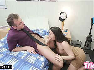 Trickery Whitney Wright screws a large man-meat for a job